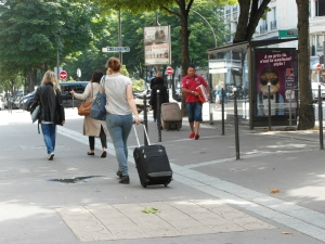 Seeing people heading for the metro or the train with their luggage in tow is a common sight.