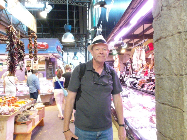 Sights, sounds, and smells of the main central market