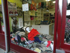 2nd hand clothing store